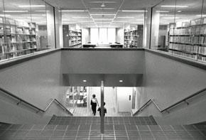 An image of the current University of Iowa Law Library in the Boyd Law Building when it opened in 1986.